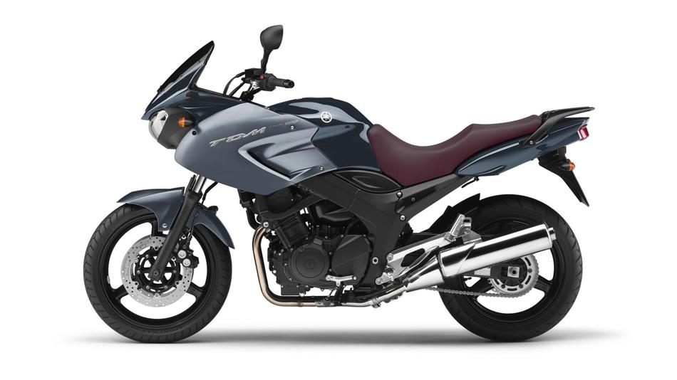 2011-Yamaha-TDM900-EU-Gun-Metallic-Studio-006.jpg